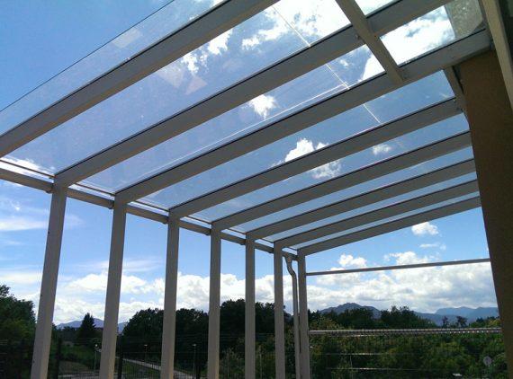 Nadstreški in strehe