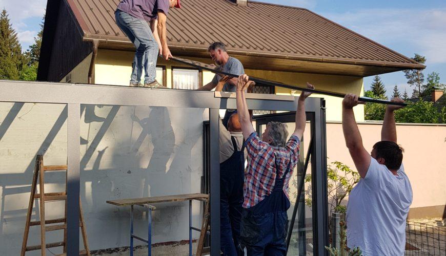 montaža steklene strehe