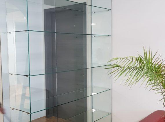 Steklene vitrine